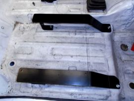 Raptor 4x4 Fixed Seat Base Right For Suzuki Samurai