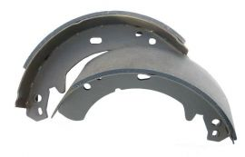 Raptor 4x4 Handbrake Shoes From 300TDI For Land Rover Defender, Discovery, Range Rover Classic from 1994.
